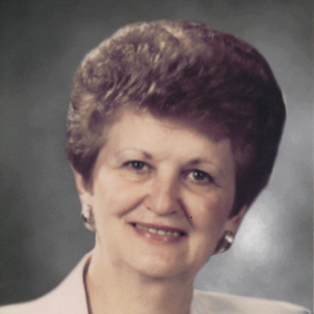 Yvette Côté Girard